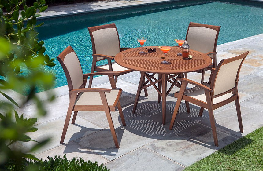 Jensen Leisure dark wood outdoor dining table & chairs